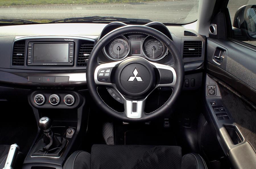mitsubishi evo x steering wheel