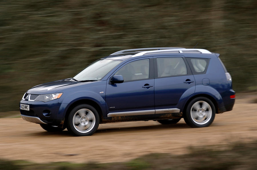 Mitsubishi Outlander Mk2 2007-2012 review. It's designed more for on- than off-road use, but ...