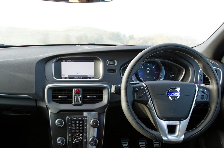 Volvo V40 T5 Drive-E T5 dashboard