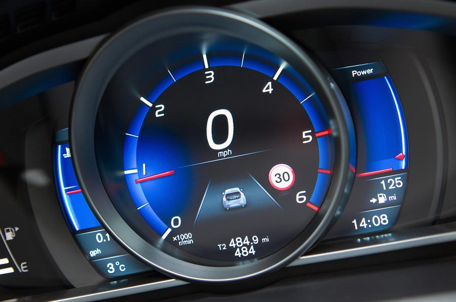 Volvo V40 T5 Drive-E T5 instrument cluster