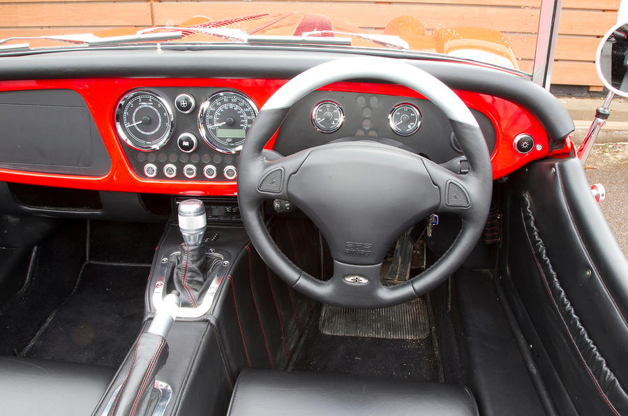 Morgan Plus 8 dashboard