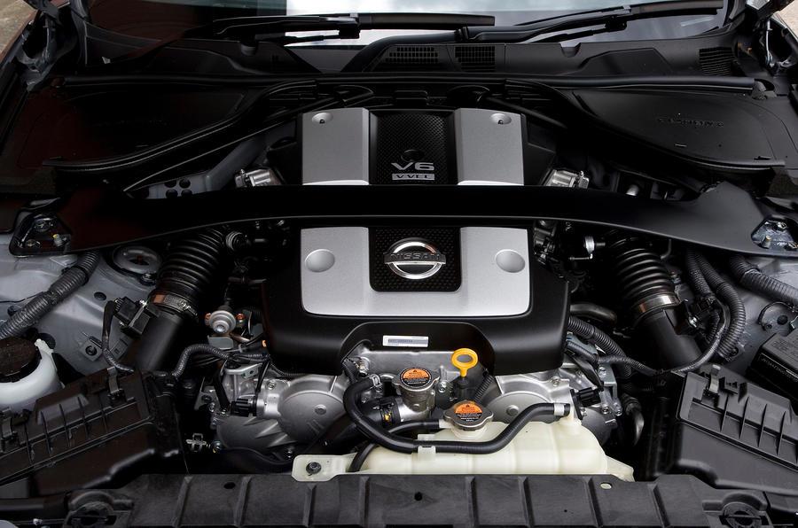 Nissan 370Z engine bay