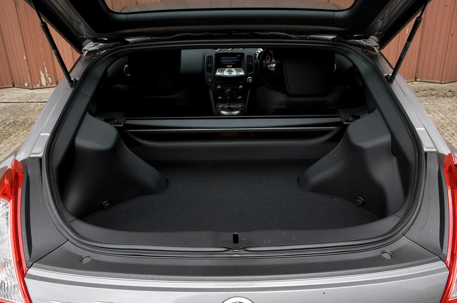 Nissan 370Z boot space