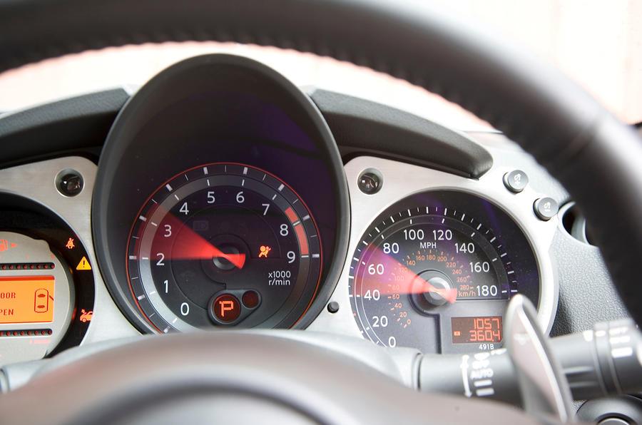 Nissan 370Z instrument cluster