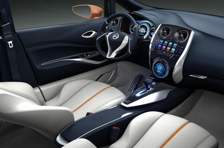 Geneva show: Nissan Invitation
