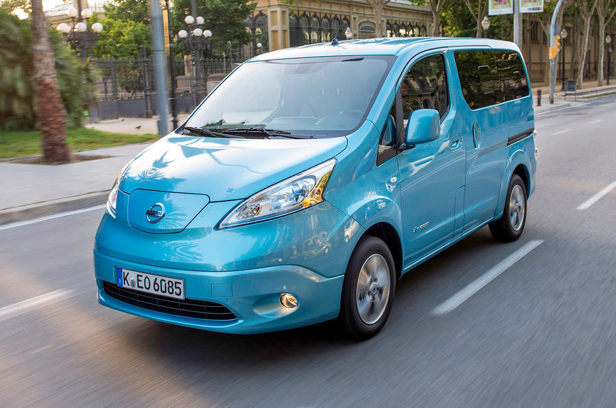 nissan e nv200 combi first drive review. Black Bedroom Furniture Sets. Home Design Ideas