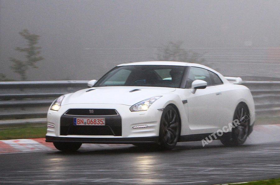 Paris motor show: new Nissan GT-R