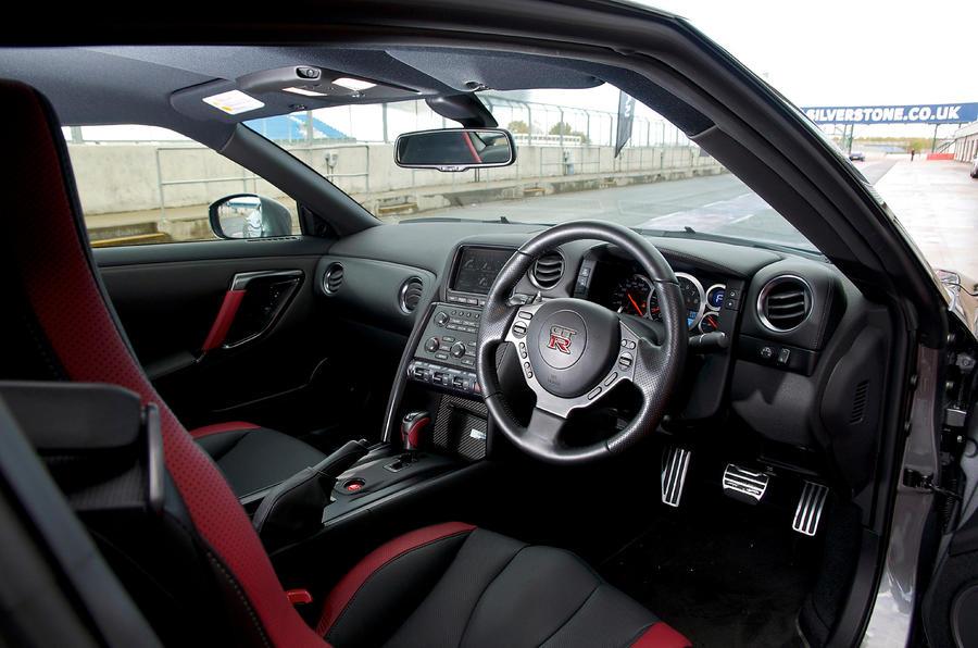 ... Nissan GT R Interior ...