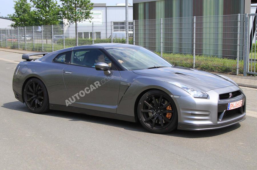 Nissan GT-R Spec-M: new pics