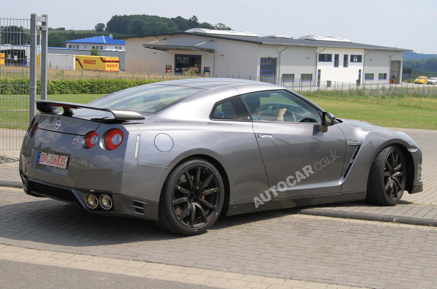 Revised Nissan GT-R pic leaked