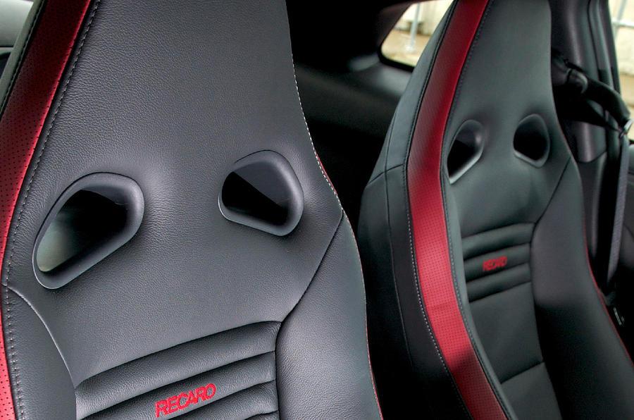 Nissan GT-R sports seats