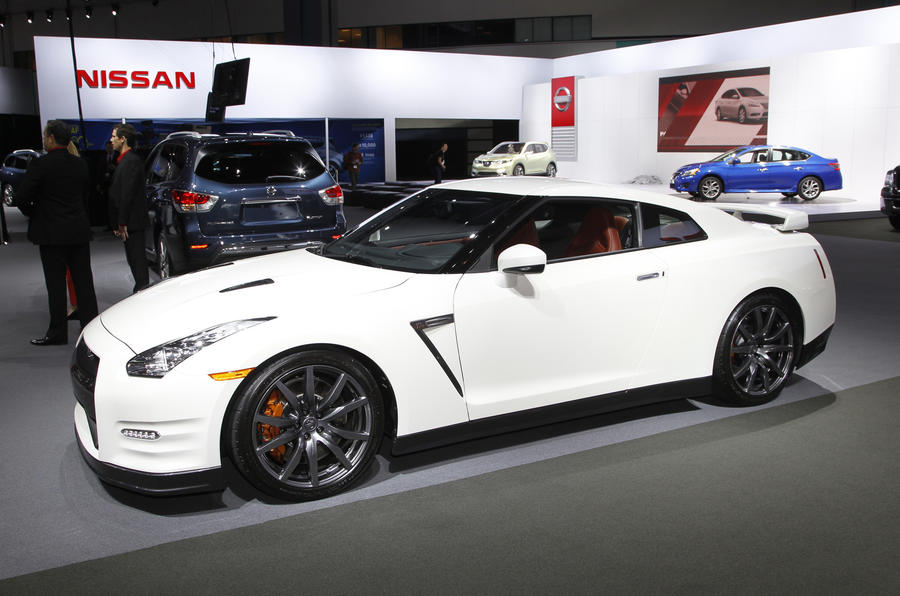 La motor show 2013 nissan gt r autocar for Colorado springs motor vehicle registration