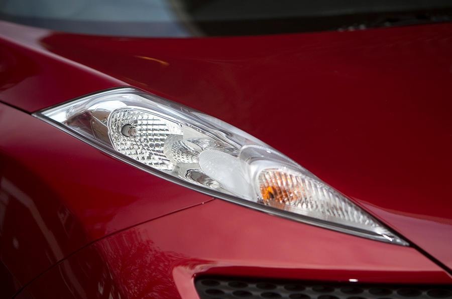 Nissan Juke sidelights