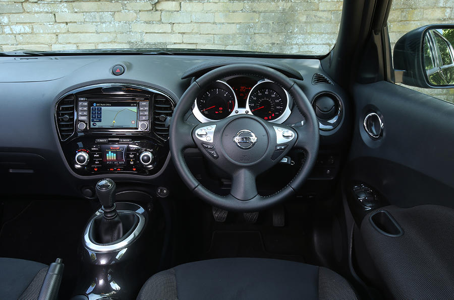 Nissan Juke Acenta Premium dashboard