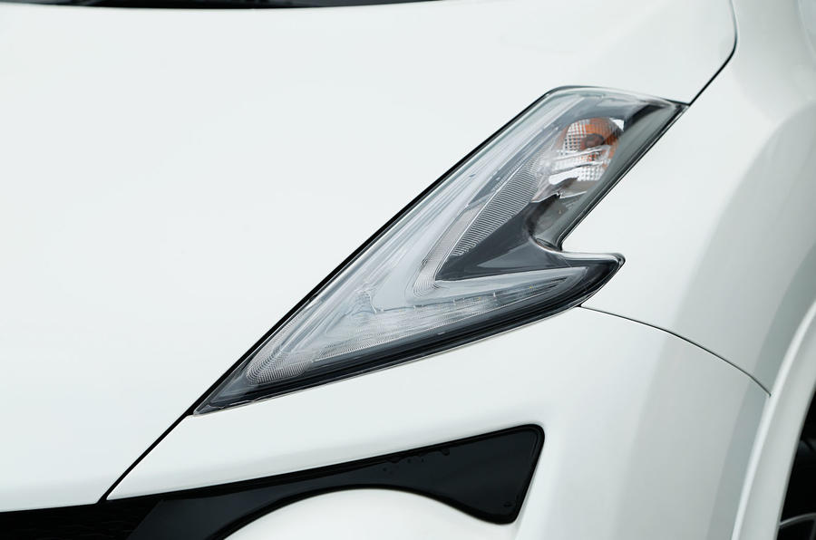 The Nismo RS gets the distinctive tick lighting synonymous to the Nissan Juke