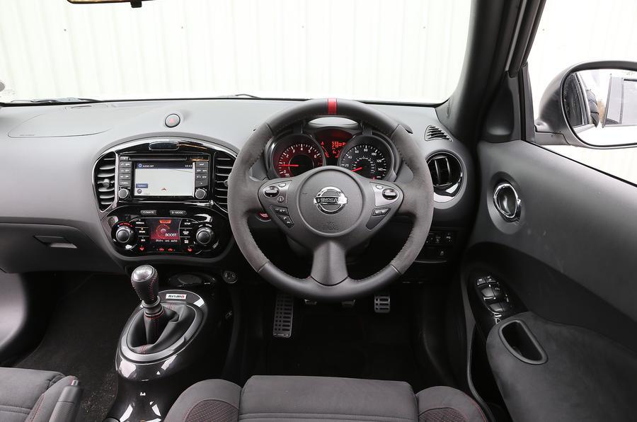 Nissan Juke Nismo dashboard