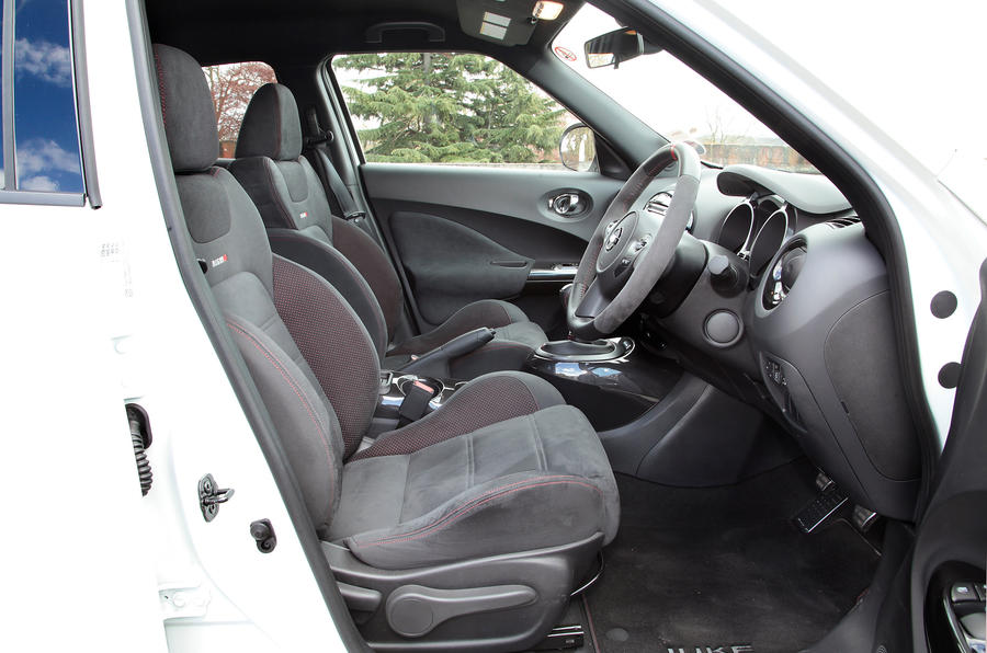 Nissan Juke Nismo front seats