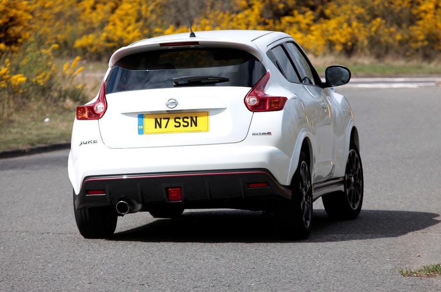 Nissan Juke Nismo rear cornering