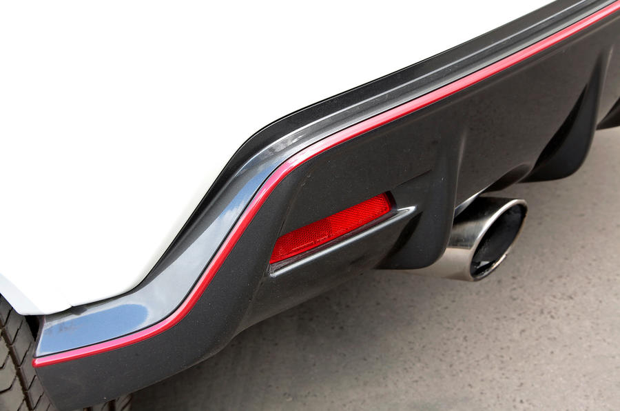 Nissan Juke Nismo faux rear diffuser