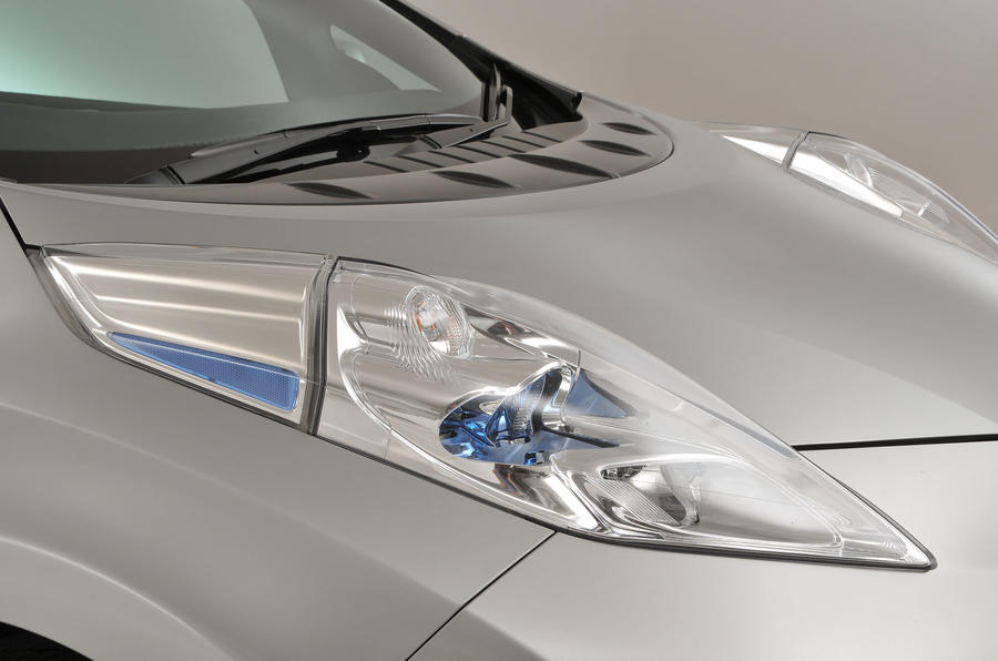 Nissan Leaf LED headlights
