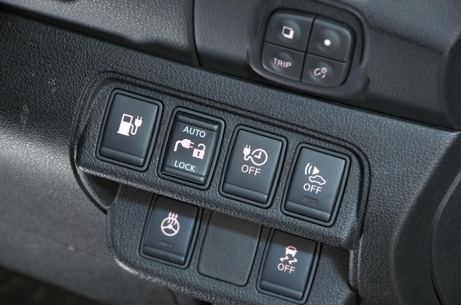 Nissan Leaf switchgear