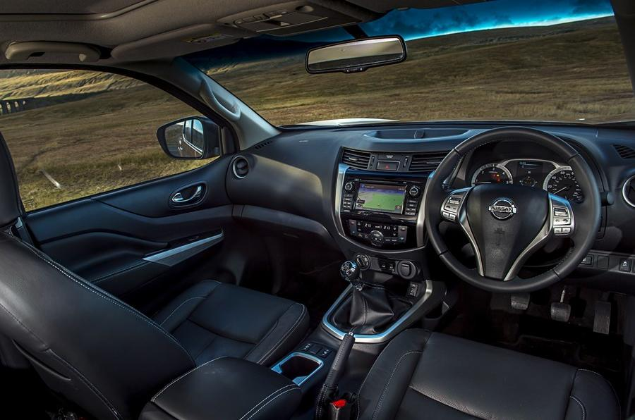 Nissan Navara NP300 dashboard