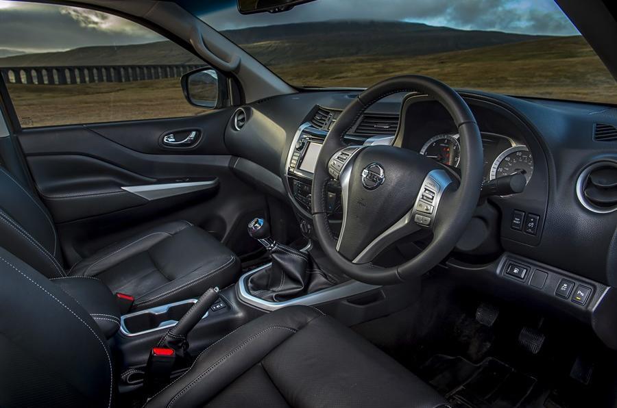 Nissan Navara NP300 interior