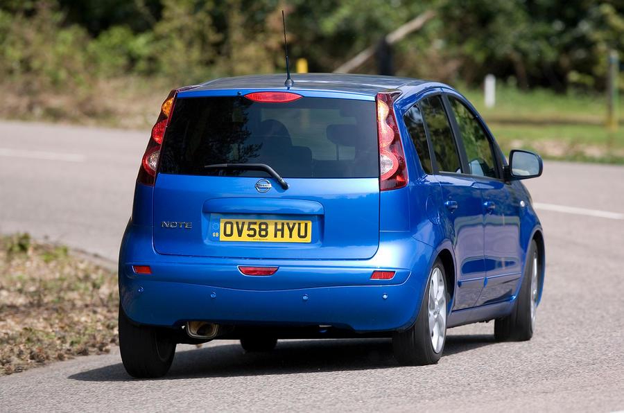 Nissan Note rear cornering