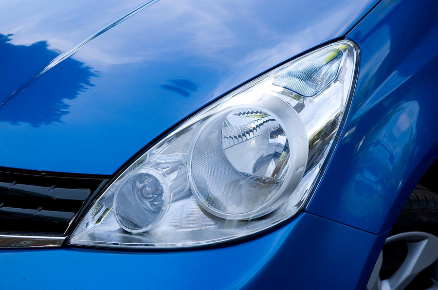 Nissan Note headlight