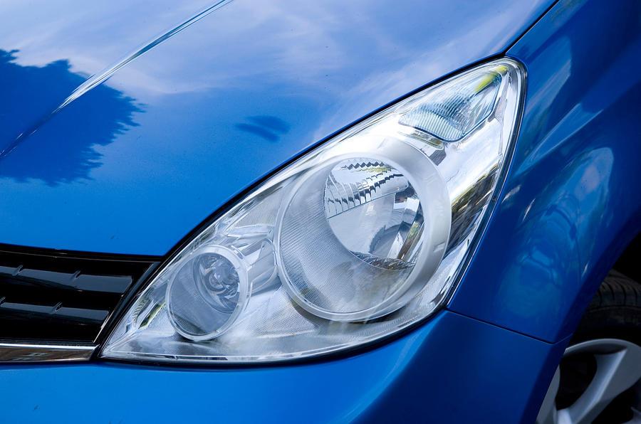 Nissan Note headlight