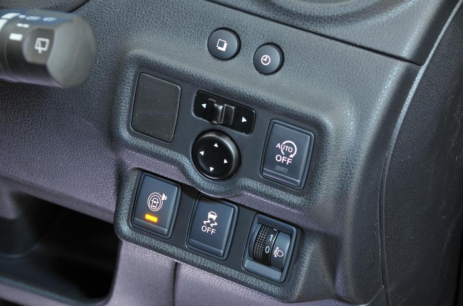 Nissan Note switchgear