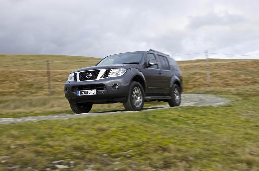 Nissan Pathfinder; Nissan Pathfinder Pick Up ...
