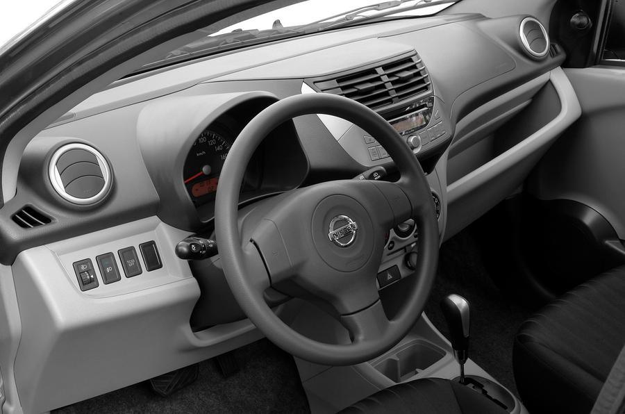 Nissan Pixo dashboard