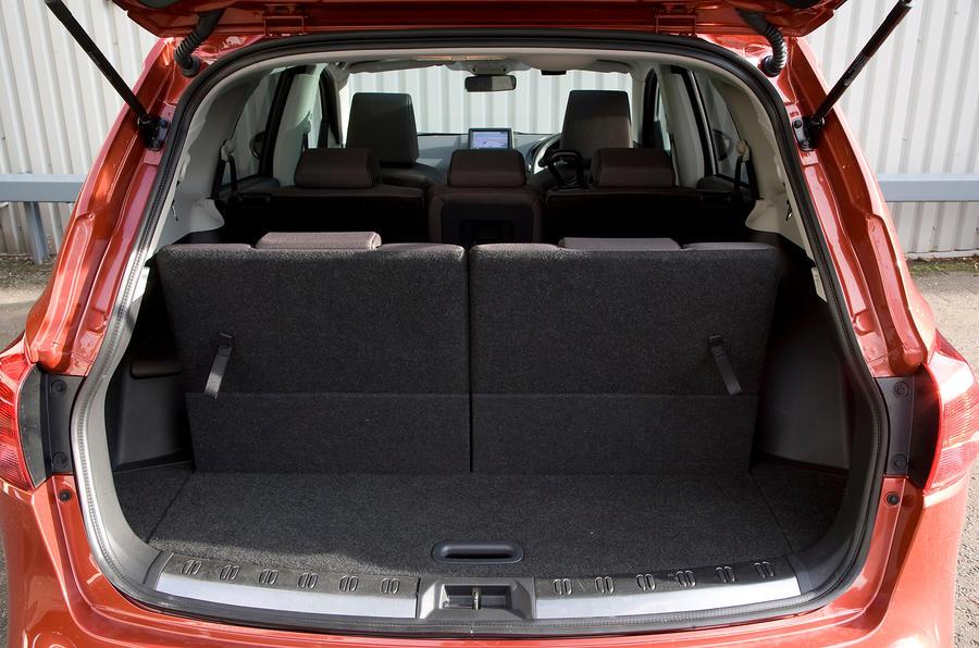 Nissan Qashqai 2007-2014 interior   Autocar