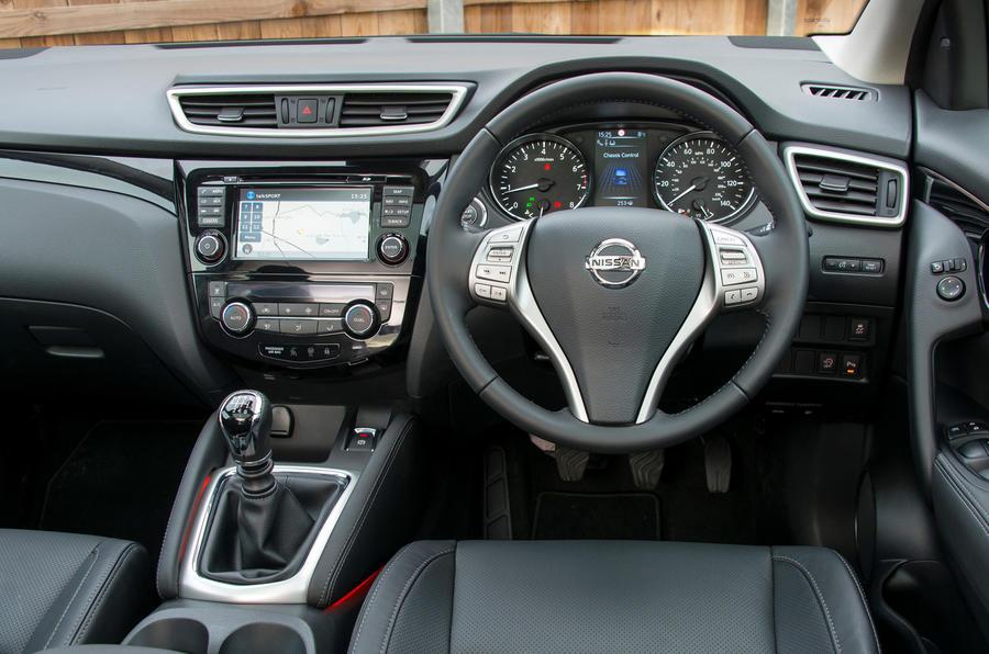Nissan Qashqai Acenta 1.2-litre DIG-T 115 petrol manual ...
