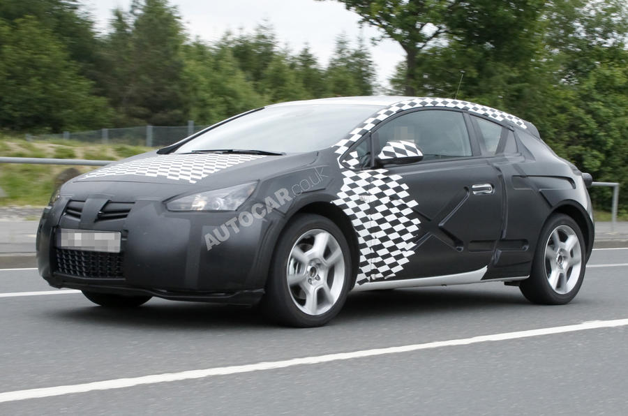 Vauxhall Astra coupe: new pics