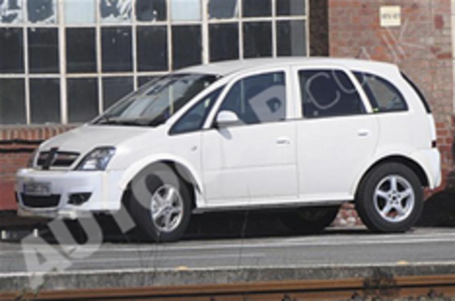Vauxhall Meriva SUV spied?
