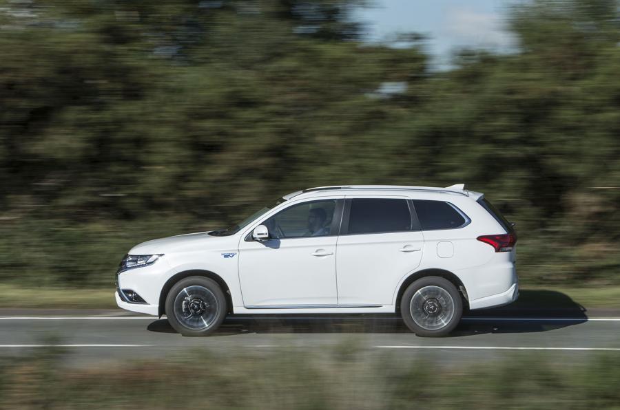Mitsubishi Outlander PHEV side profile