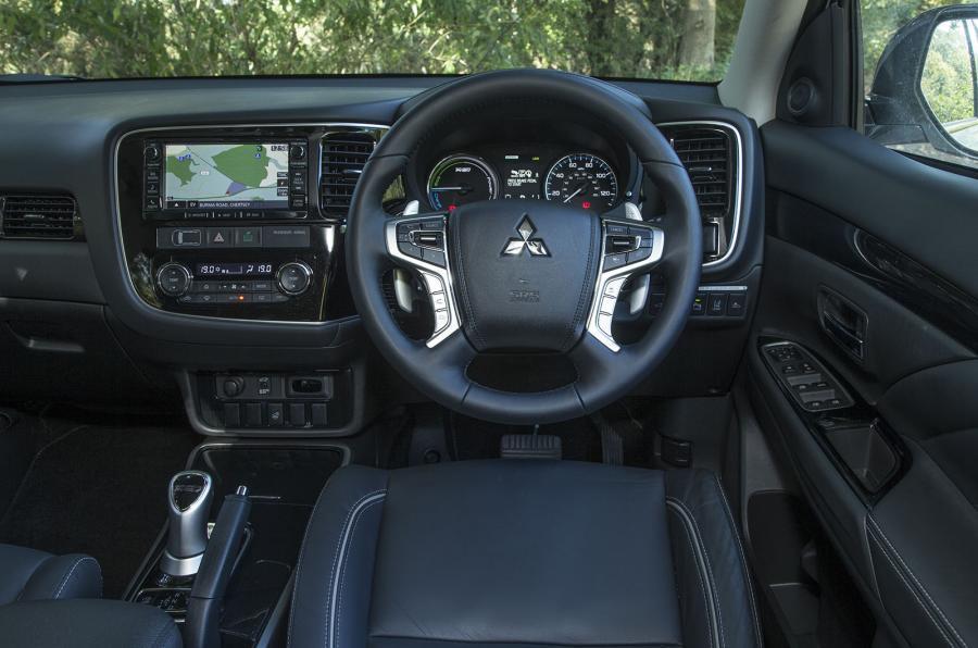 Mitsubishi Outlander PHEV dashboard