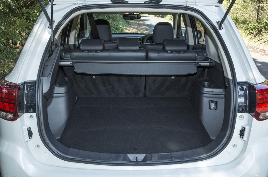 Mitsubishi Outlander PHEV boot space