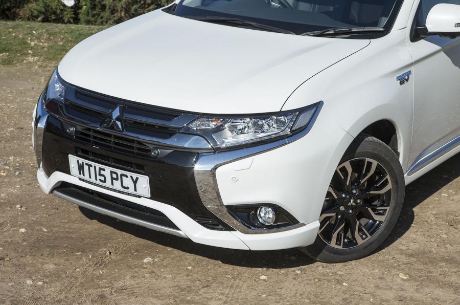 Mitsubishi Outlander PHEV front end