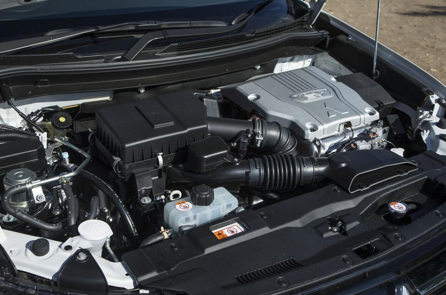 Mitsubishi Outlander PHEV hybrid powertrain