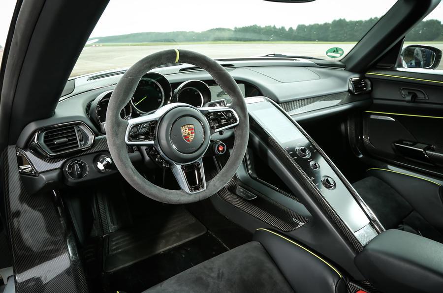 comparison porsche 918 spyder versus mclaren p1 autocar rh autocar co uk porsche 911 3.2 engine diagram