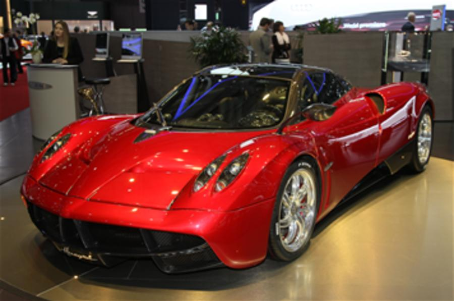 Pagani plans Huayra roadster