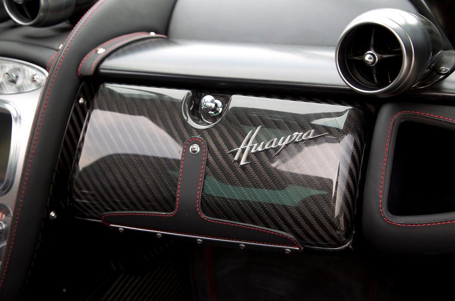 Pagani Huayra carbonfibre glovebox