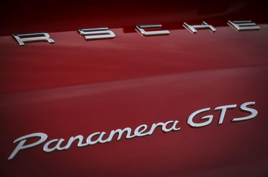 Porsche Panamera GTS badging