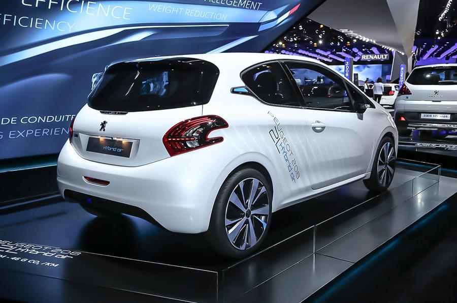 Peugeot reveals new 208 Hybrid Air concept at Paris