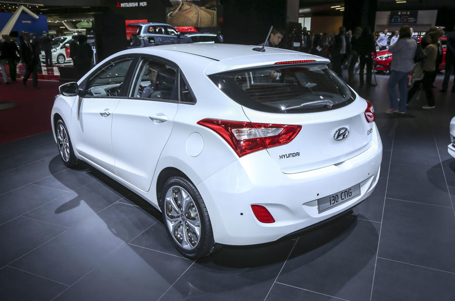 Hyundai presents i30 powered by compressed natural gas