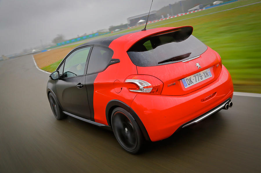 Peugeot 208 GTi 30th Anniversary rear cornering