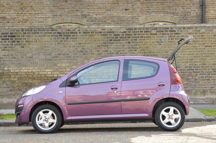2.5 star Peugeot 107
